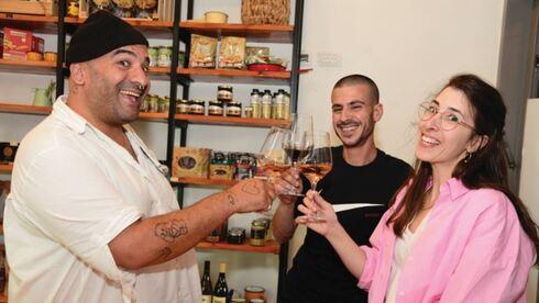 """דיי השבוע עם אור דאי ורועי שמחון, בעלי מסעדת """"פרידה"""" בבאר־שבע"""