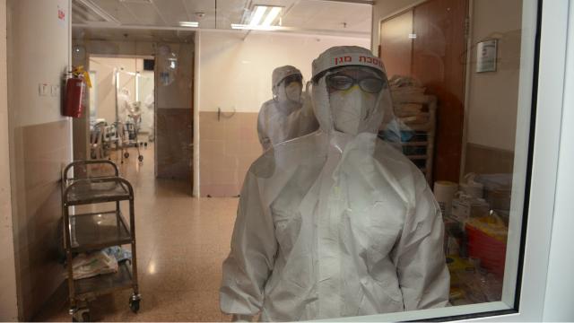 טיפול נמרץ קורונה בגל התחלואה הקודם. עדיין אין חיסון עדר