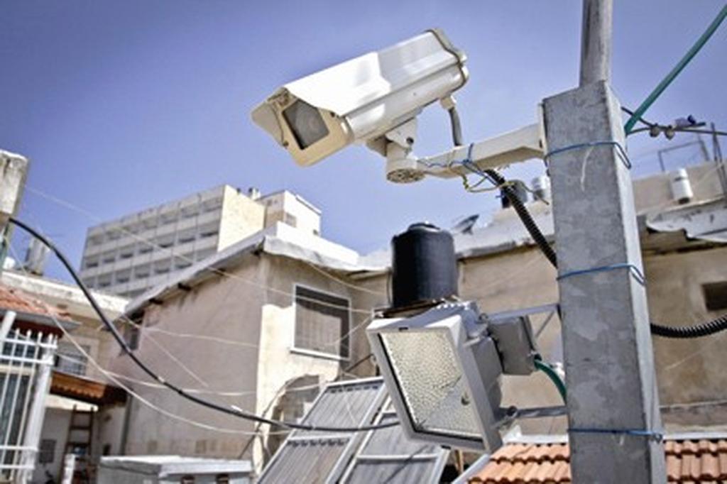 מצלמות אבטחה, צילום מיקי אלון