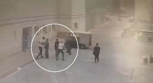 תיעוד תקיפה בסורוקה, צילום מסך. מקור הסרטון לא ידוע, באדיבות דוברות המשטרה