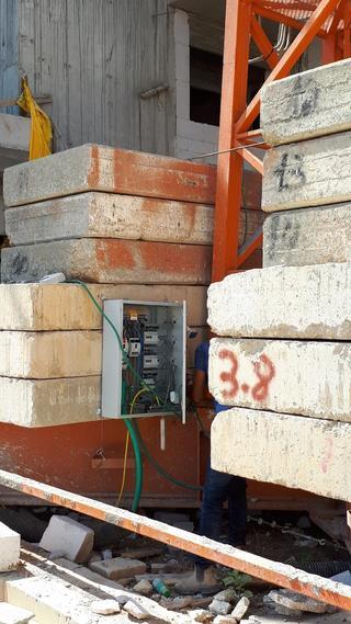 ארון חשמל חשוף באתר בניה. צילום: דוברות פרקליטות מחוז דרום