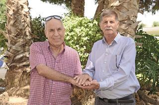 נסים כהן ומיכאל אפנג'ר. צילום: הרצל יוסף