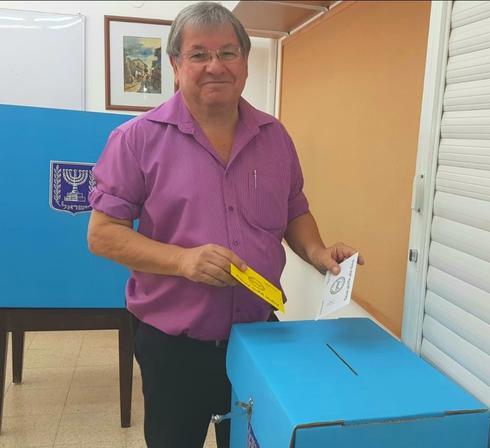 """פני בדש מצביע בבחירות 2018. צילום: יח""""צ"""