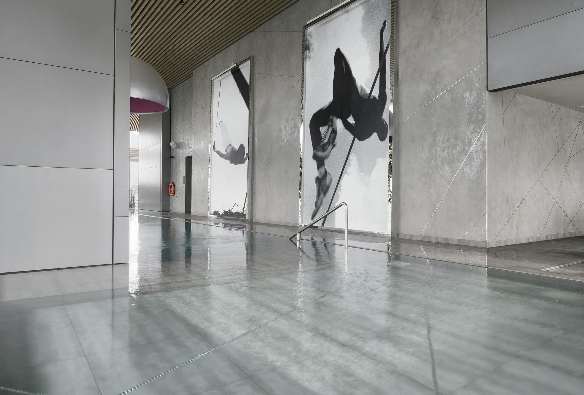 """קירות מחופים של חברת איילמינם, יבואנית משטחי למינם, יח""""צ"""