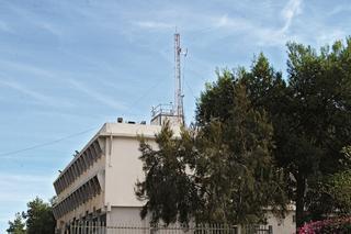 אנטנות סלולריות על בית ספר. צילום: הרצל יוסף