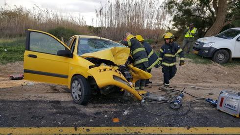 תאונה בכביש 2410. צילום: דוברות כבאות והצלה נגב