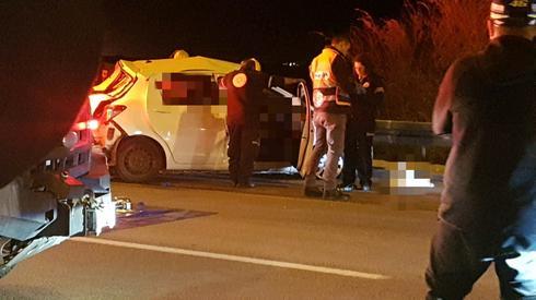 """זירת התאונה בצומת גורל, הערב. צילום: באדיבות מד""""א"""