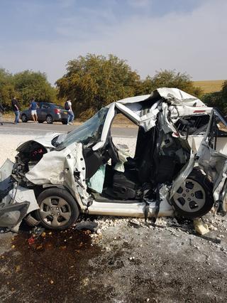 תאונה ליד צומת מבועים כביש 293. צילום: דוברות כבאות והצלה נגב מערבי