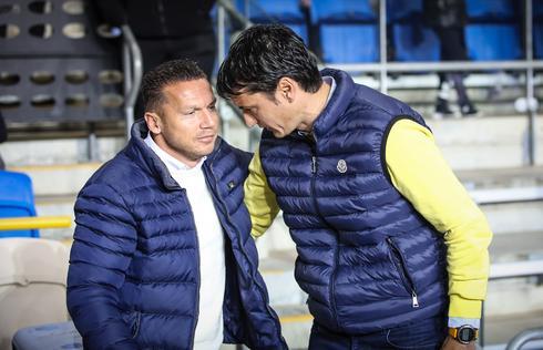 ברק בכר (משמאל) עם ולדימיר איביץ'. המאמן של באר שבע רוצה את המקום השני. צילום: עוז מועלם