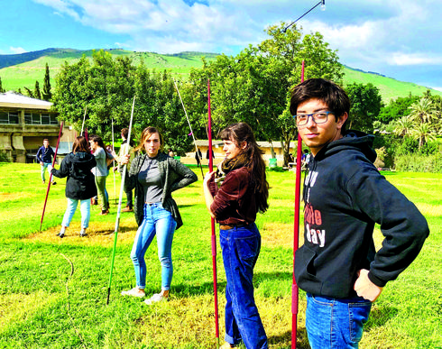 התלמידים בפעילויות מגוונות   צילום: יהונתן דביר