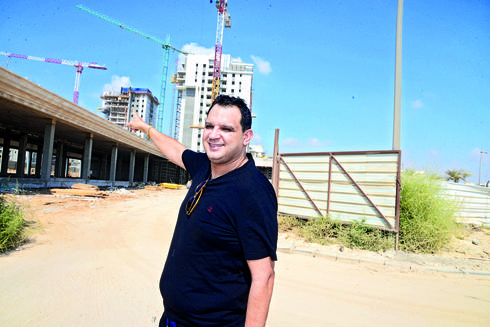 עודד שריקי באחד מאתרי הבנייה שלו | צילום: הרצל יוסף