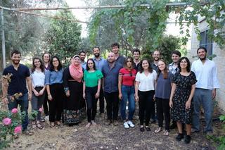 האורחים והמארחים באבו גוש | צילום: יואב דודקביץ'